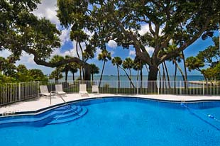Bays Bluff Condos for Sale